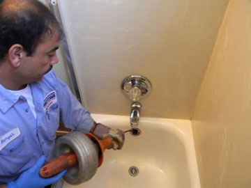 Drain-clean-bathtub