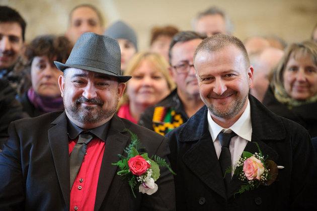 11.02-Le-premier-mariage-gay-en-Ile-de-France-ce-samedi-a-Villejuif-930620_scalewidth_630